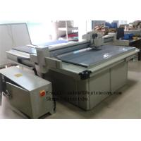 V cutting table for coroplast box