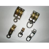 Pulley/tackle/swivel pulley