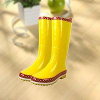 Wholesale Fashion shiny smooth yellow woman rubber rain boot from china suppliers