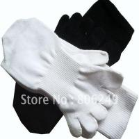 Wholesale men's 100% sports cotton five-toe socks from china suppliers
